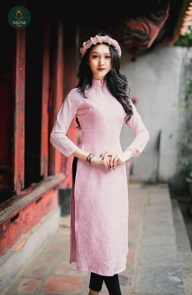 áo dài gấm hồng nana.jpg