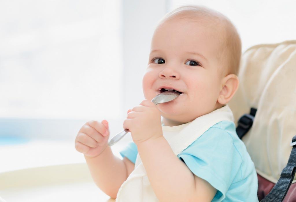 baby ăn chao.jpg