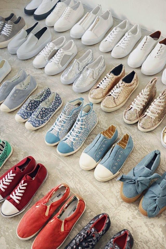 có-nên-bán-giày-online-1.jpg