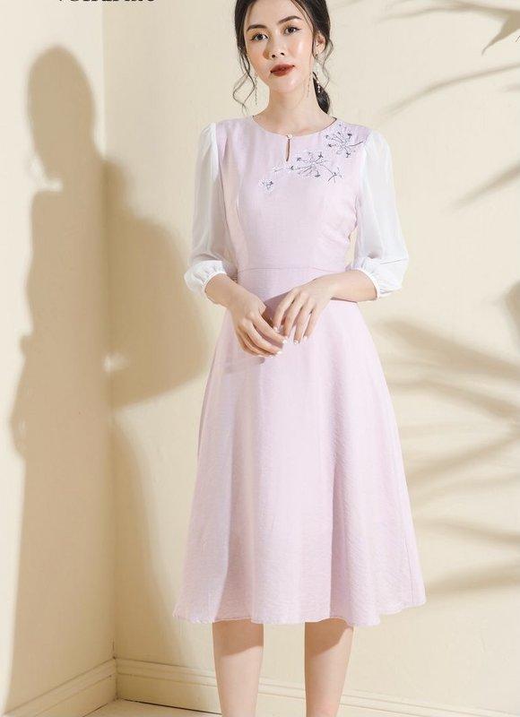 đầm basic decham trắng hồng xl.jpg