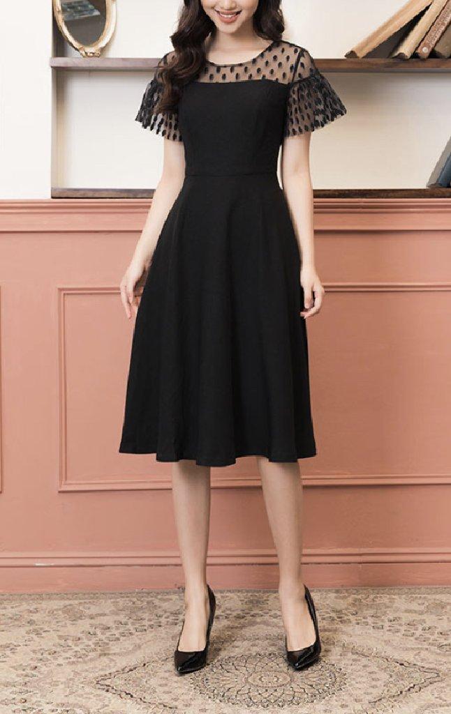 Đầm đen ren nguc bella.jpg