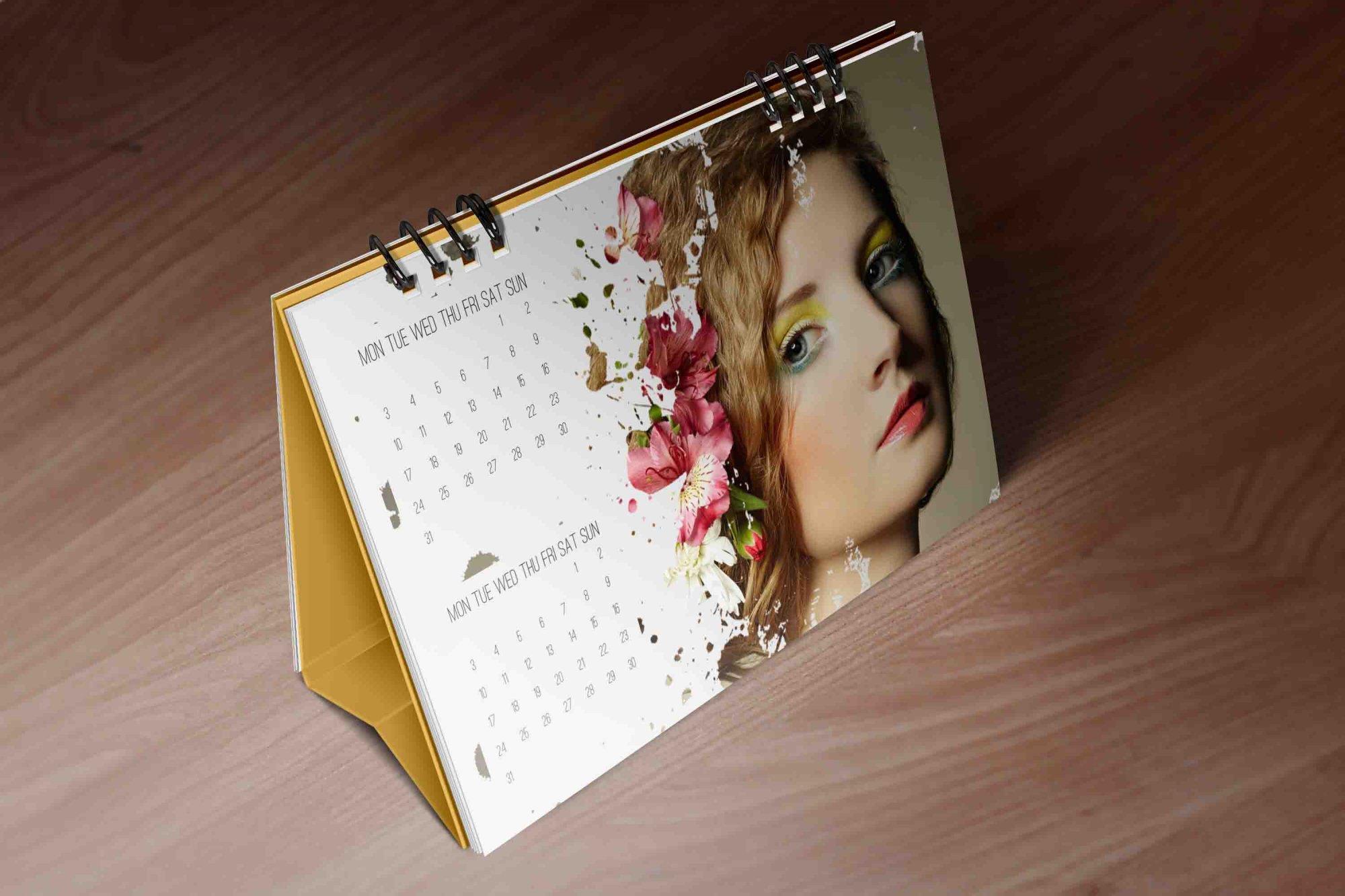Desk Calendar Mockups03.jpg