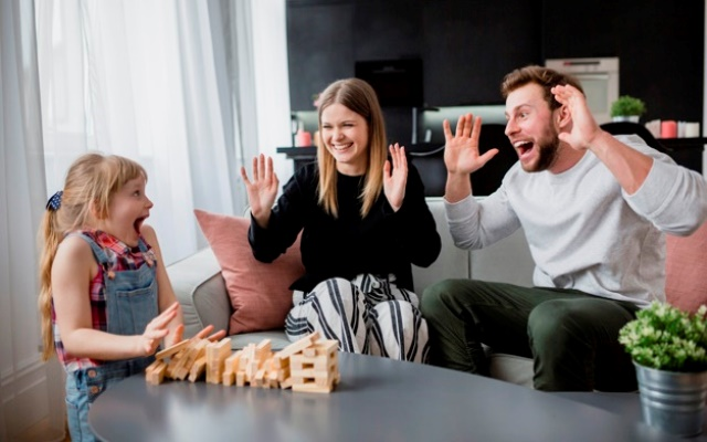 excited-family-playing-jenga_23-2147800153a.jpg