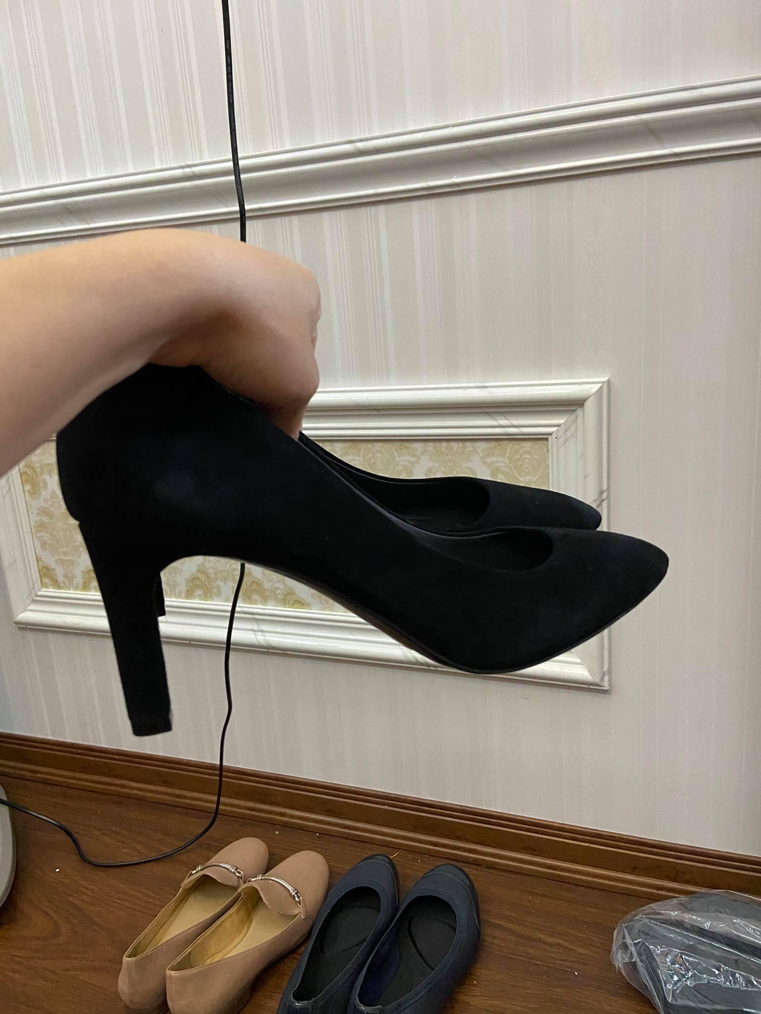 giày đen.jpg