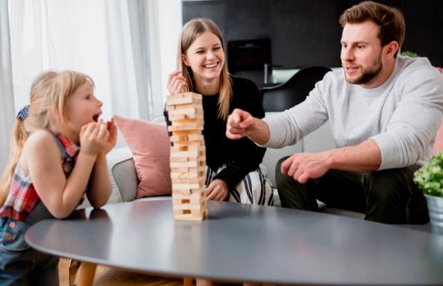 happy-family-playing-jenga_23-2147800149a.jpg