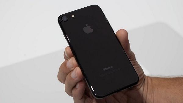 iphone-7-co-may-mau-1.jpg
