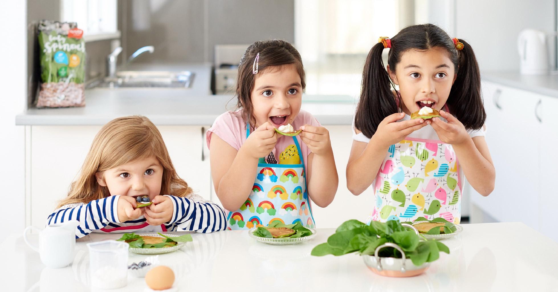 kids eat 111.jpg