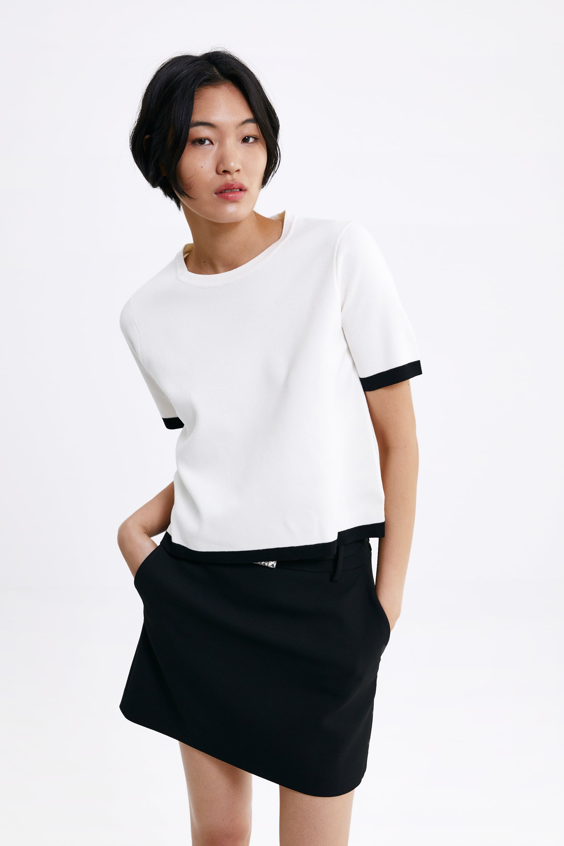 KNIT SWEATER WITH CONTRAST TRIMS 4.jpg