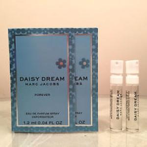 Marc-Jacobs-Daisy-Dream-Forever-Vial-300x300.jpg