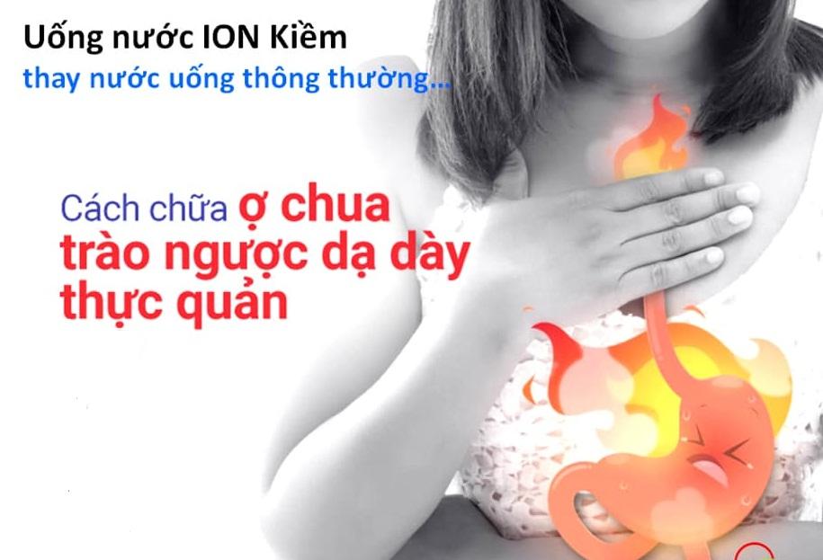nuoc-ion-kiem-ho-tro-dieu-tri-trao-nguoc-da-day.jpg