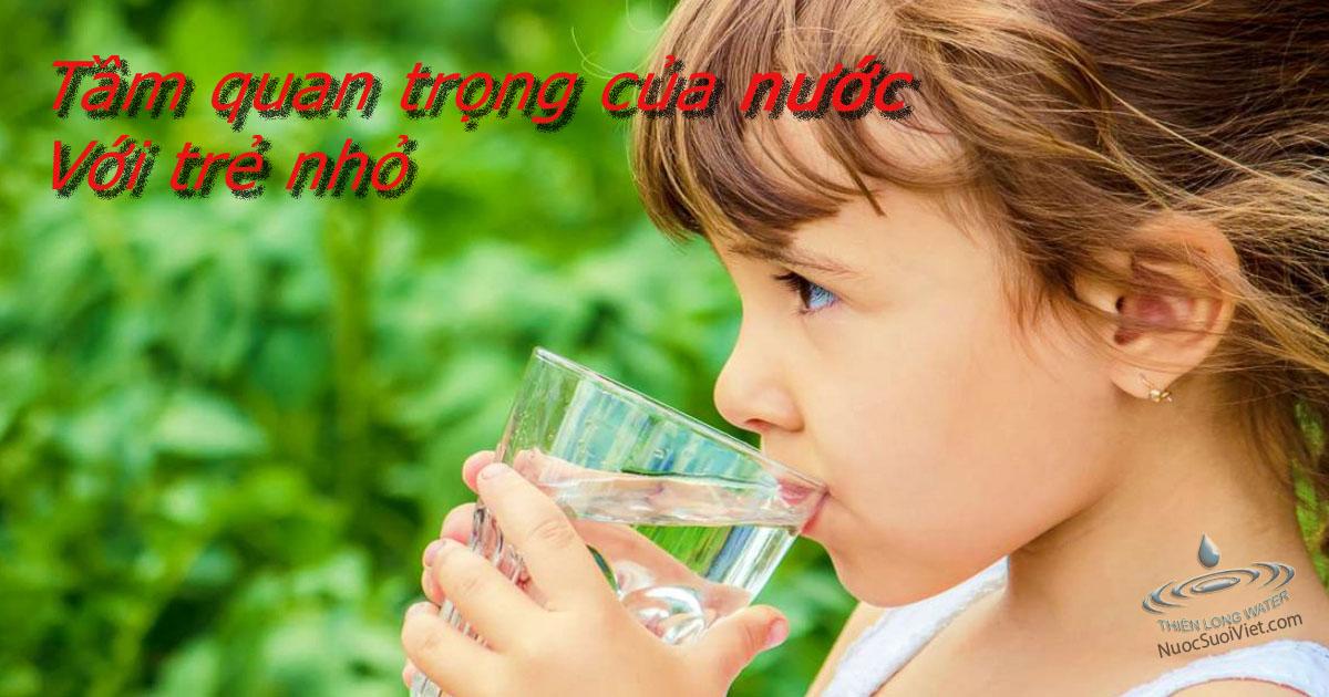 nước và trẻ em.jpg