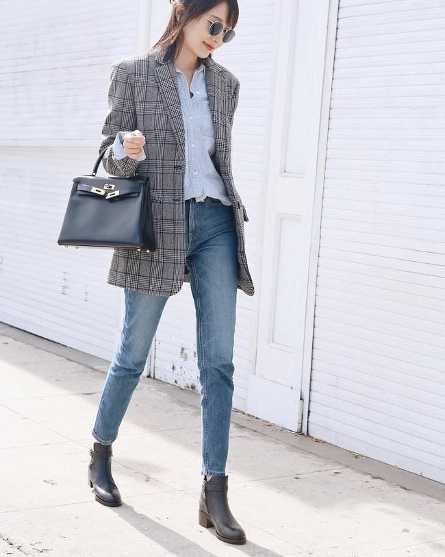 Phối áo Blazer với quần Jean.jpg