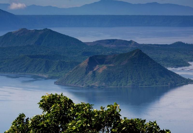 taal-lake-philippines-luzon (1).jpg