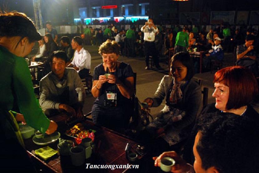 tra thai nguyen chinh phuc khach nuoc ngoai 1.jpg