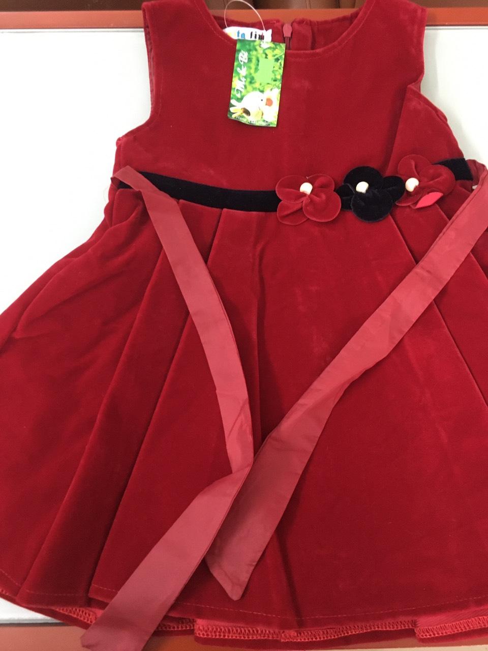 váy đỏ nhung bé gái 1.jpg