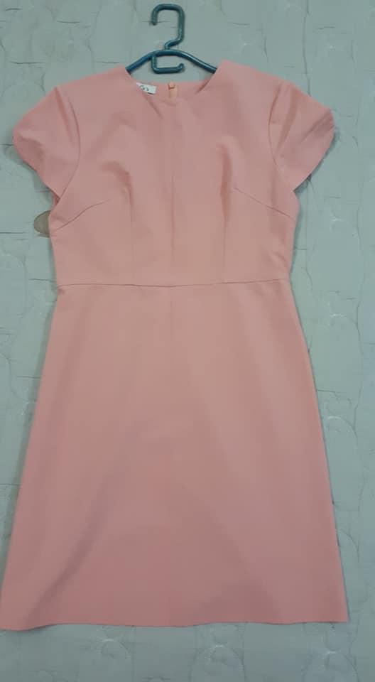 váy hồng.jpg