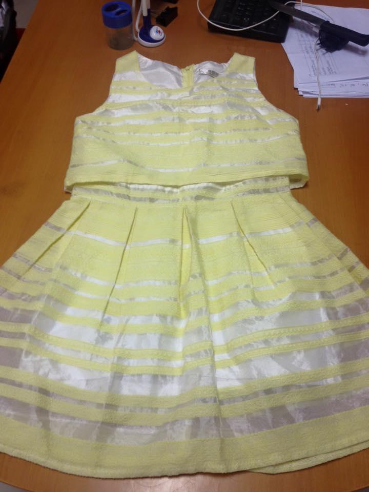 váy ren vàng_1.jpg