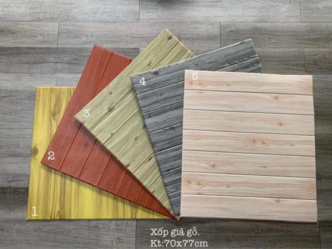xốp dán tường giả gỗ.jpg